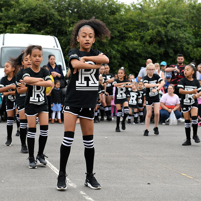summer-festival-dancers