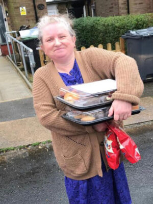 senior treats volunteer delivery
